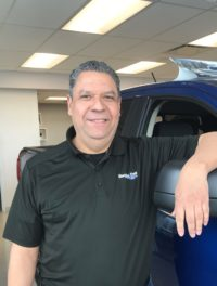 Geovanni Morales : Sales and Leasing Consultant