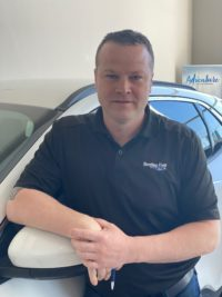 Justin Papineau : Sales and Leasing Consultant